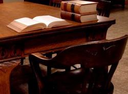 Dịch vụ luật sư – Lại bàn về văn hóa pháp đình