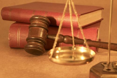 Tư vấn pháp luật hình sự: Phân định thẩm quyền trong tố tụng hình sự Việt Nam