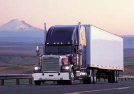 Luật sư tư vấn thủ tục cấp giấy phép vận chuyển hàng hóa nguy hiểm bằng đường bộ.