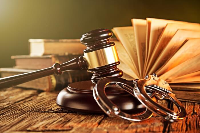 Các Luật Sư, Nguyên Đơn Và Nhóm Lợi Ích Trong Thủ Tục Tố Tụng