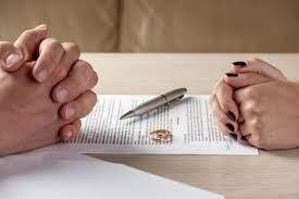 Khởi kiện vụ án ly hôn