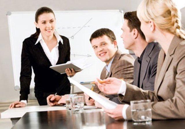 Dịch vụ tư vấn luật thường xuyên có gì khác so với luật sư công ty