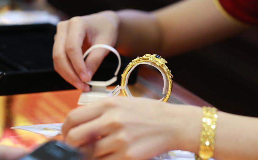 Thủ tục nhập khẩu vàng, trang sức